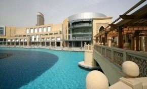 largest malls The Top 10 largest malls in the world dubai Mall1 e1346670766616