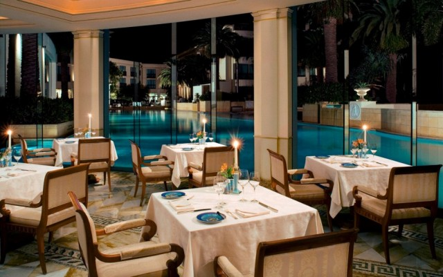 Extraordinary service and an ambience of pure glamour caractherizes Palazzo Versace Dubai.  PALAZZO VERSACE DUBAI LUXURY HOTEL palazzo versace hotel 5 e1354881643805