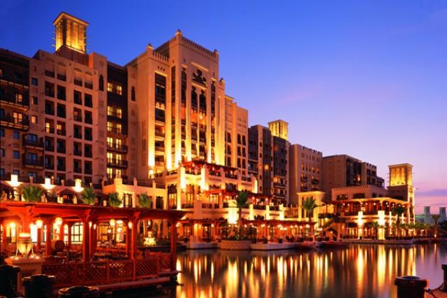 The Top 3 Hotel Pools in Dubai  The Top 3 Hotel Pools in Dubai Mina A Salam 1 e1357904704519