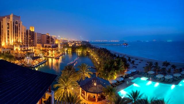 The Top 3 Hotel Pools in Dubai  The Top 3 Hotel Pools in Dubai mina a salam e1357904658606