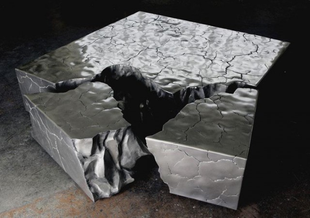 Fragmented-Crack-Coffe-Table-based-upon