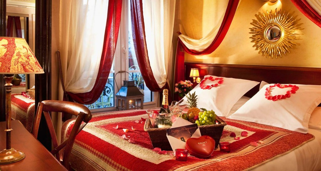 Celebrate Valentine`s Day with LOVE, PASSION and COLOR Romantic Bedroom Decor for Valentines Day1 1024x546