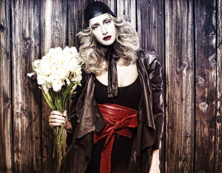 Young fashion designer, Simay Bülbül 28889 384192641052 2421234 n1