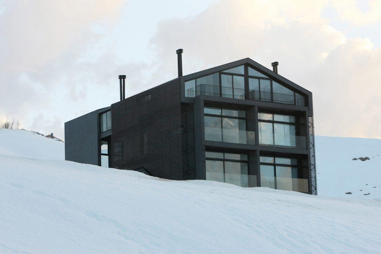 i ski modern chalet lebanon00. Black Bedroom Furniture Sets. Home Design Ideas