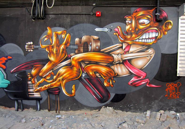 Graffiti Graces Dubai mojoman sm1