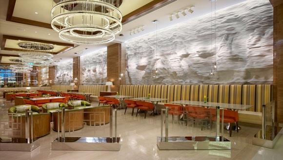 "Solomon & Wu Create a ""Snow Wall"" in Dubai Kempinski 0020 main fin small1"
