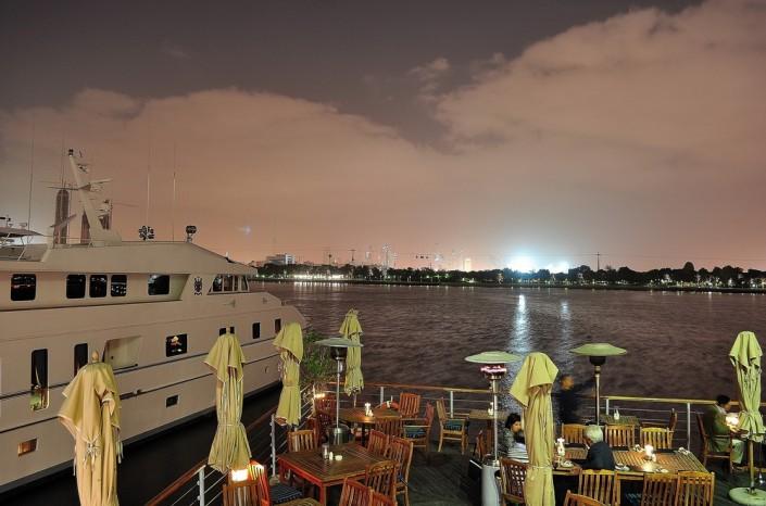 Boardwalk-Restaurant-Dubai-a20042654