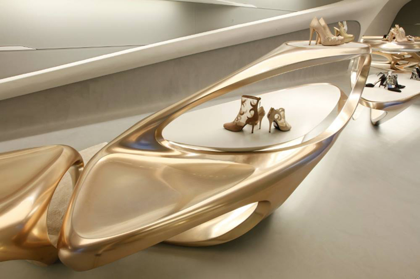 Hadid designs boutiques for Stuart Weitzman zaha hadid Stuart Weitzman milan designboom03
