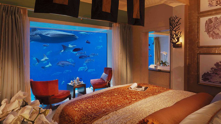 10 Most incredible bedrooms with breathtaking views-underwater-view