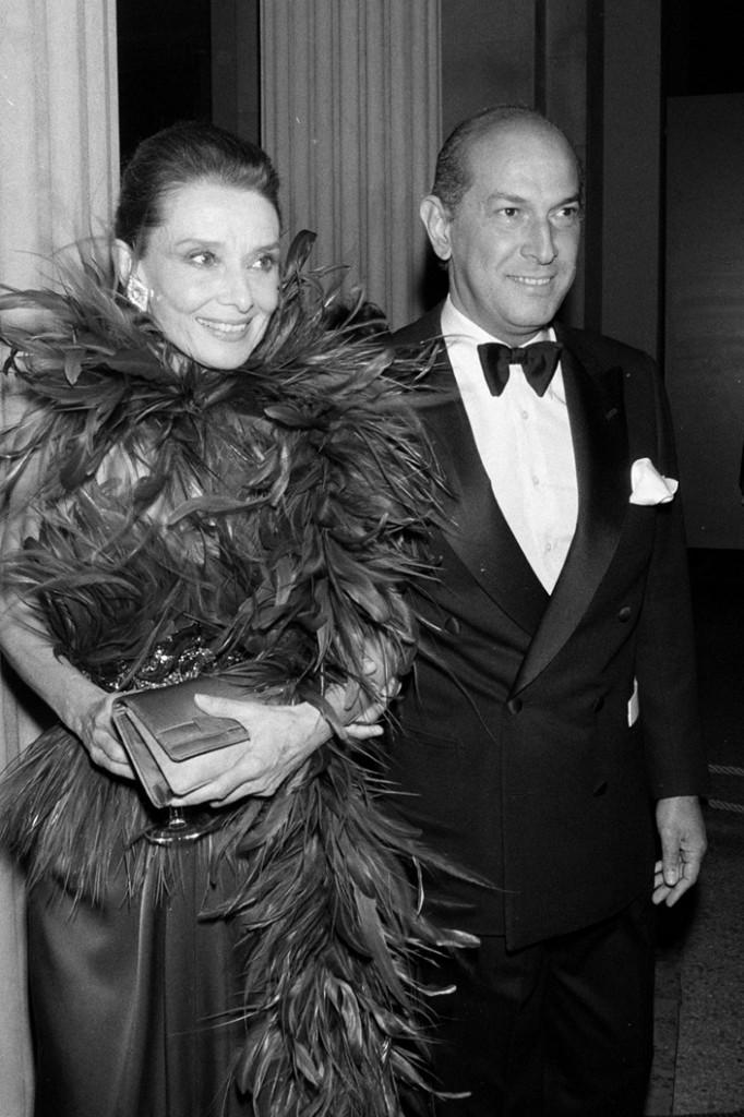 Fashion Designer Oscar de la Renta Dies at 82 oscar de la renta fashion designer 682x1024