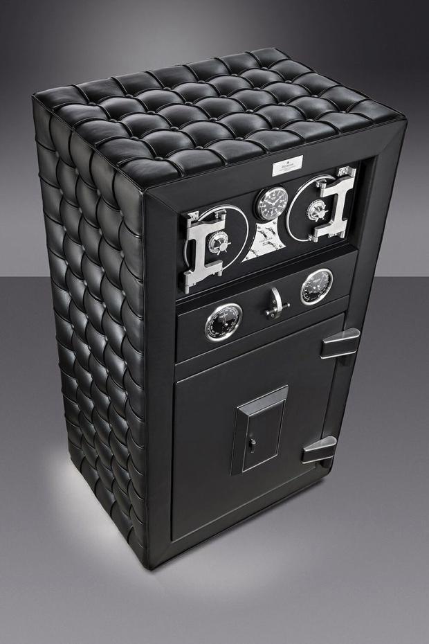 10 Modern Luxury Safes feature6
