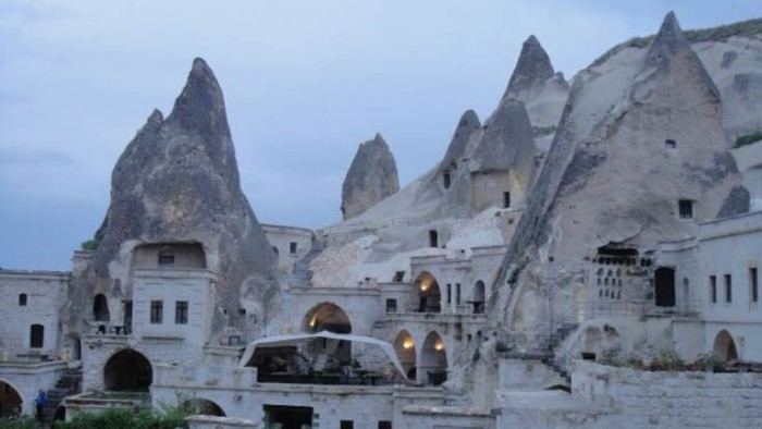 Astonishing Buildings To Visit  in the Middle East 3 1