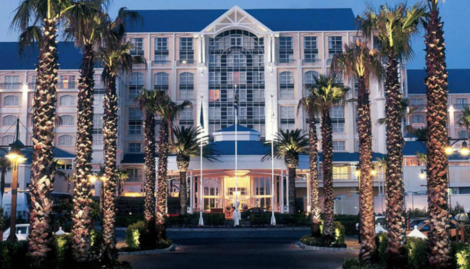 Top Design Hotel: Contemporary Table  Bay Hotel 15