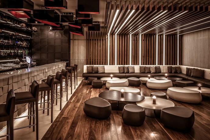 bishop design Bishop Design: Taking Interior Decor To A New Level 2 8