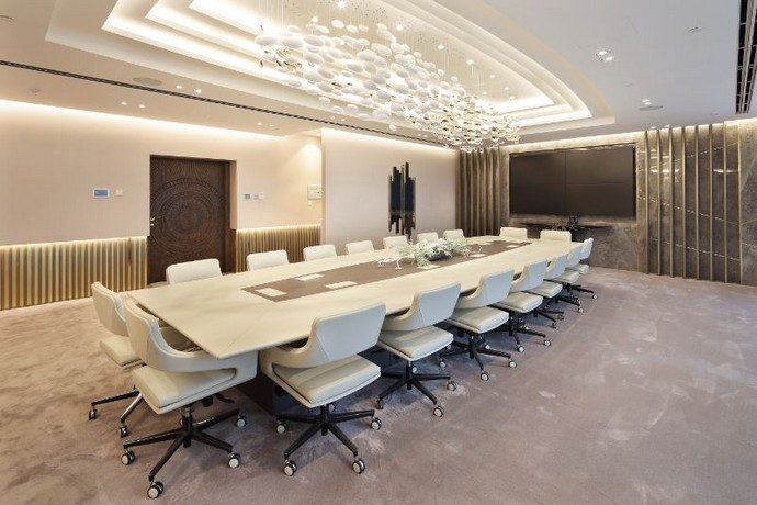 Get Inspired by This Luxurious Contemporary Office Space Get Inspired by This Luxurious Contemporary Office Space 5